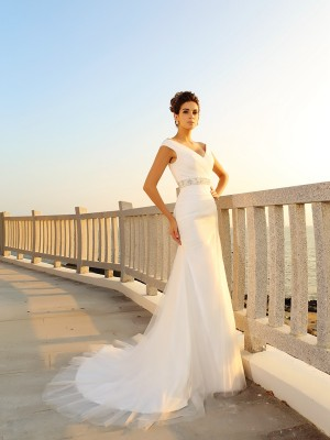Gorgeous Sheath V-neck Sleeveless Long Net Beach Wedding Dress