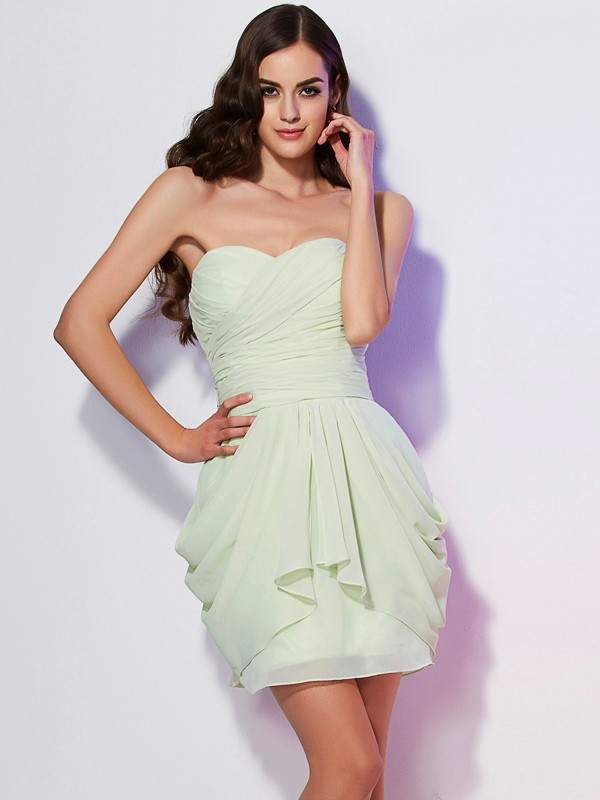 Elegant A-Line Sweetheart Sleeveless Short Chiffon Bridesmaid Dress