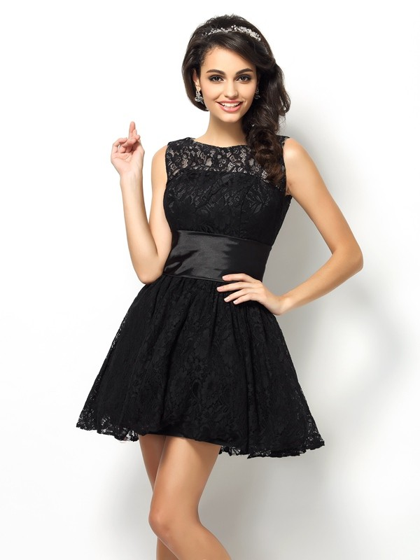 Fashion A-Line Bateau Lace Sleeveless Short Lace Bridesmaid Dress