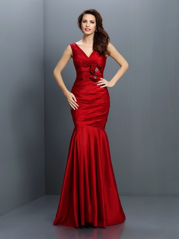 Charming Mermaid V-neck Sleeveless Long Taffeta Bridesmaid Dress