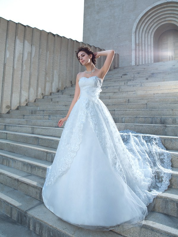 Nice Ball Gown Sweetheart Lace Sleeveless Long Lace Wedding Dress