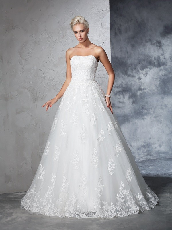 Glamorous Ball Gown Strapless Lace Sleeveless Long Lace Wedding Dress