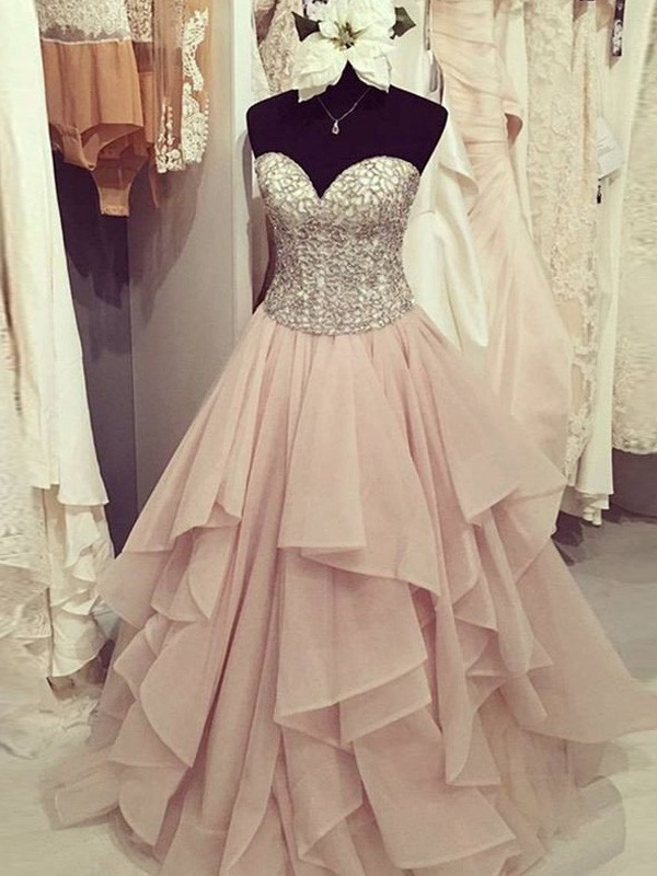 Stunning Ball Gown Sweetheart Sleeveless Floor-Length Chiffon Dress