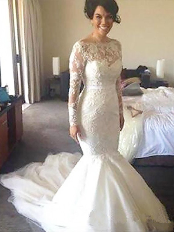 Exquisite A-Line Bateau Long Sleeves Tulle Court Train Wedding Dress