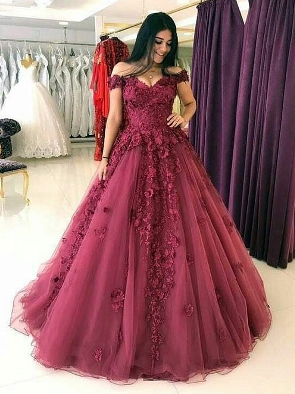 Elegant Ball Gown Sleeveless Off-the-Shoulder Sweep/Brush Train Tulle Dress