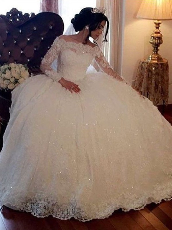 Stylish Ball Gown Bateau Long Sleeves Floor-Length Lace Tulle Wedding Dress