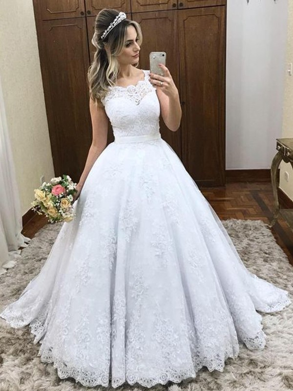 Gorgeous Ball Gown Scoop Sleeveless Sweep/Brush Train Lace Wedding Dress