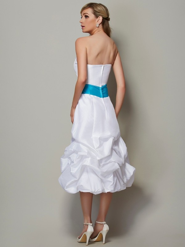 Stylish A-Line Strapless Sleeveless Short Taffeta Bridesmaid Dress