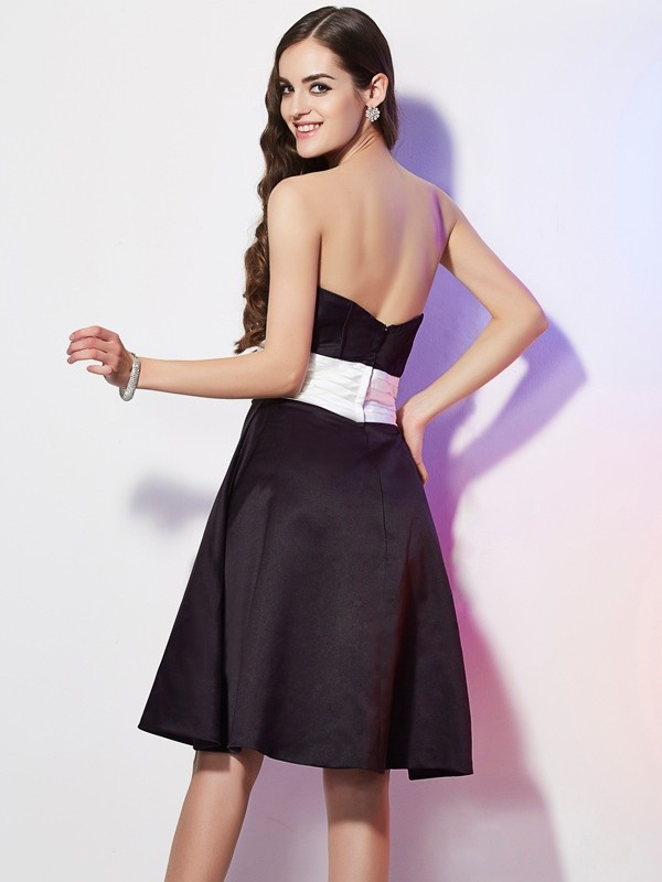 Stylish Sheath Strapless Sleeveless Short Satin Bridesmaid Dress