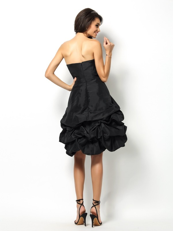 Charming A-Line Sweetheart Sleeveless Short Taffeta Bridesmaid Dress