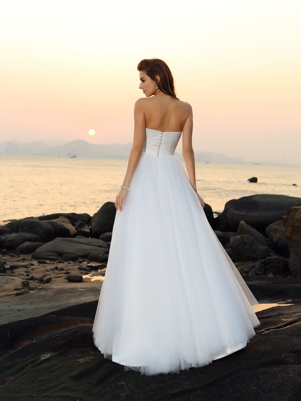 Gorgeous A-Line Sweetheart Sleeveless Long Net Beach Wedding Dress