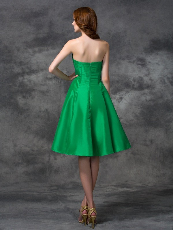 Nice A-Line Sweetheart Sleeveless Short Taffeta Bridesmaid Dress