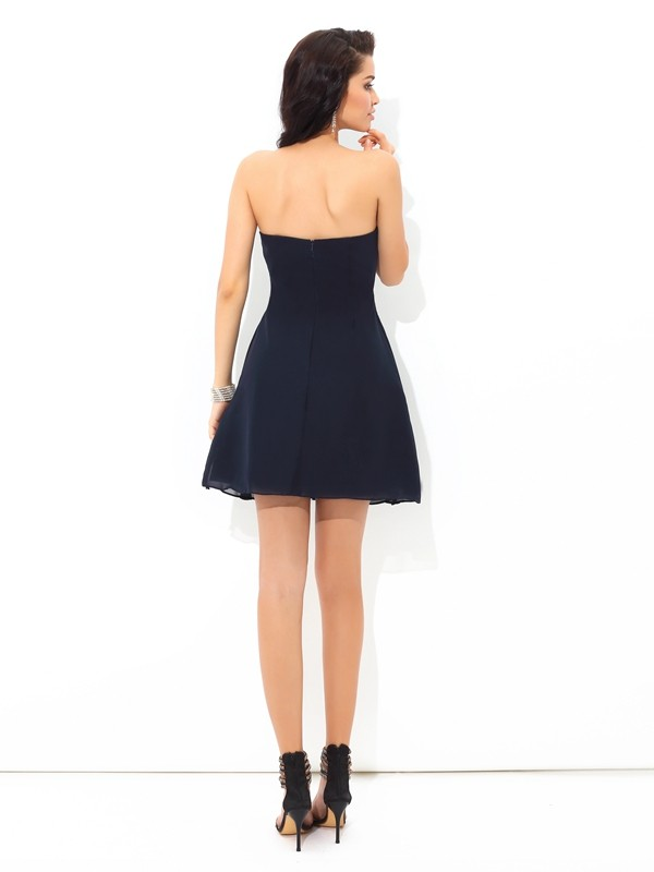 Amazing A-Line Strapless Sleeveless Short Chiffon Cocktail Dress