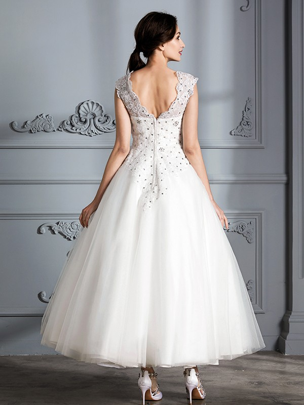 Fancy Ball Gown Scoop Sleeveless Tea-Length Tulle Wedding Dress