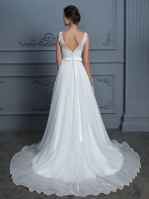 Stunning A-Line V-neck Sleeveless Floor-Length Lace Chiffon Wedding Dress