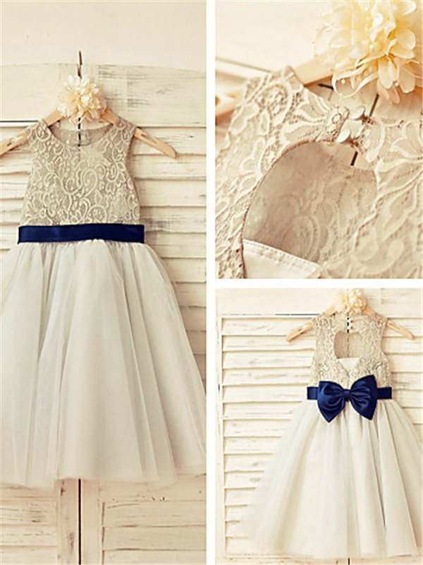 Charming A-line Scoop Sleeveless Lace Tea-Length Tulle Flower Girl Dress