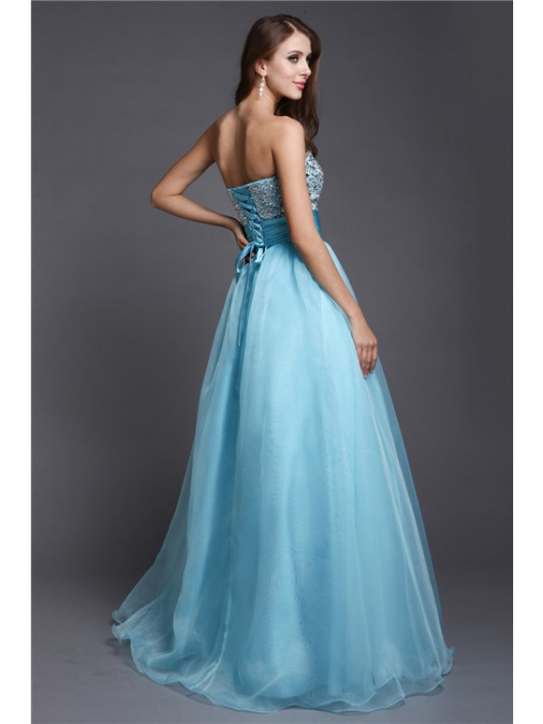 Modest A-Line Sweetheart Sleeveless Long Organza Dress