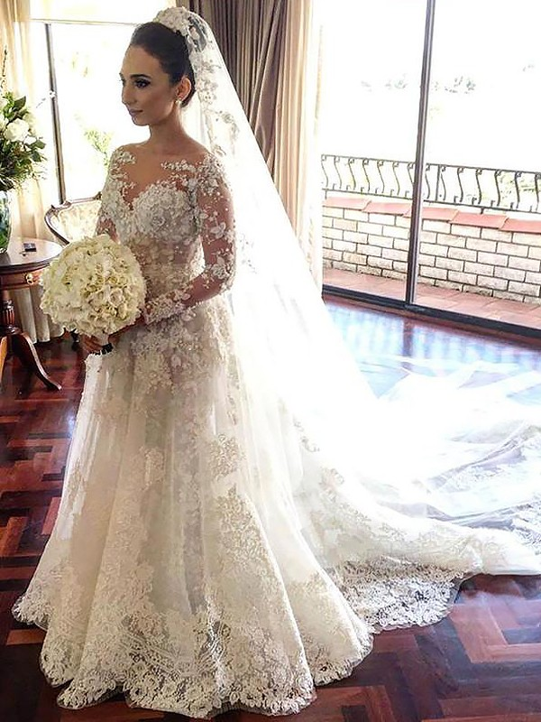 Fashion A-Line Bateau Long Sleeves Lace Chapel Train Tulle Wedding Dress
