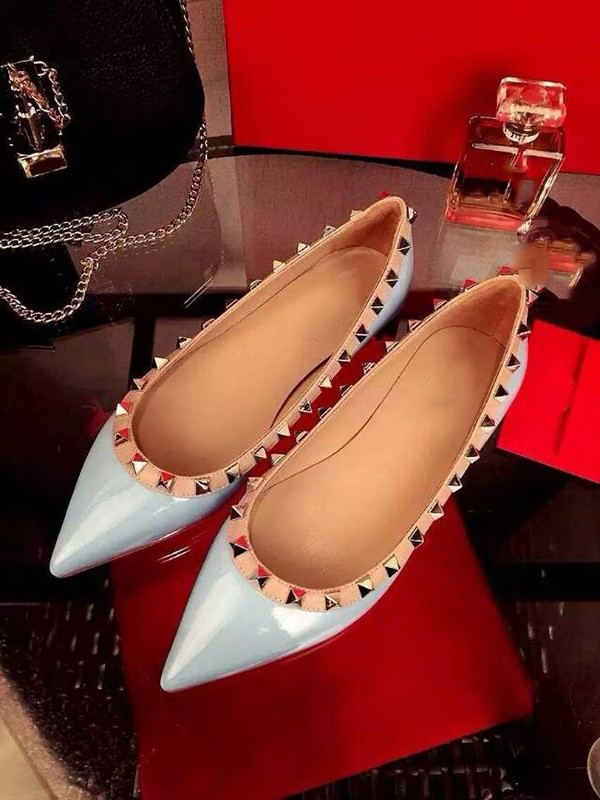 Beautiful Women Flat Heel Patent Leather Closed Toe Rivet Party Casual Flat Shoes
