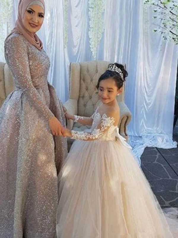 Affordable Ball Gown Long Sleeves Off-the-Shoulder Sweep/Brush Train Tulle Flower Girl Dress
