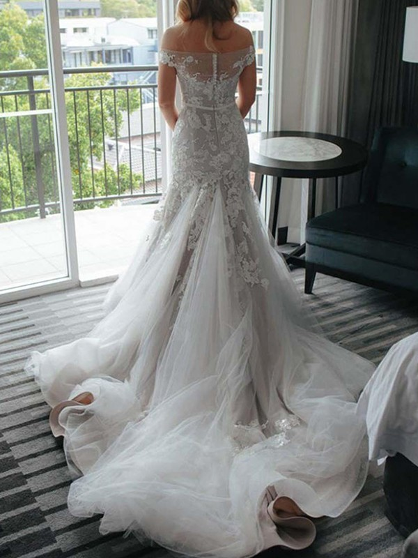 Amazing Mermaid Lace Tulle Off-the-Shoulder Sleeveless Court Train Wedding Dress