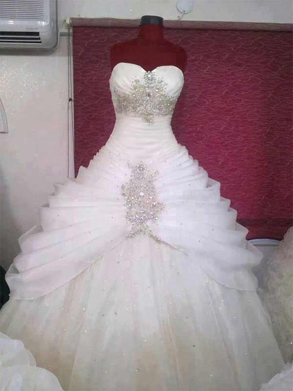 Beautiful Ball Gown Tulle Sweetheart Sleeveless Floor-Length Wedding Dress