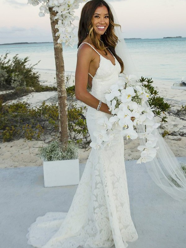 Elegant Mermaid Sleeveless Lace Spaghetti Straps Sweep/Brush Train Wedding Dress